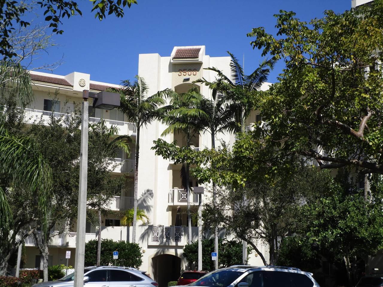 3500 Oaks Clubhouse Drive - Photo 1
