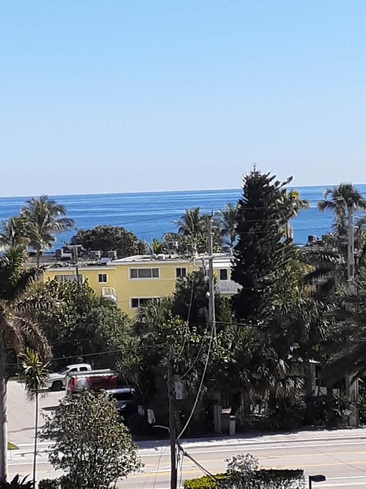 1391 Ocean Boulevard - Photo 1