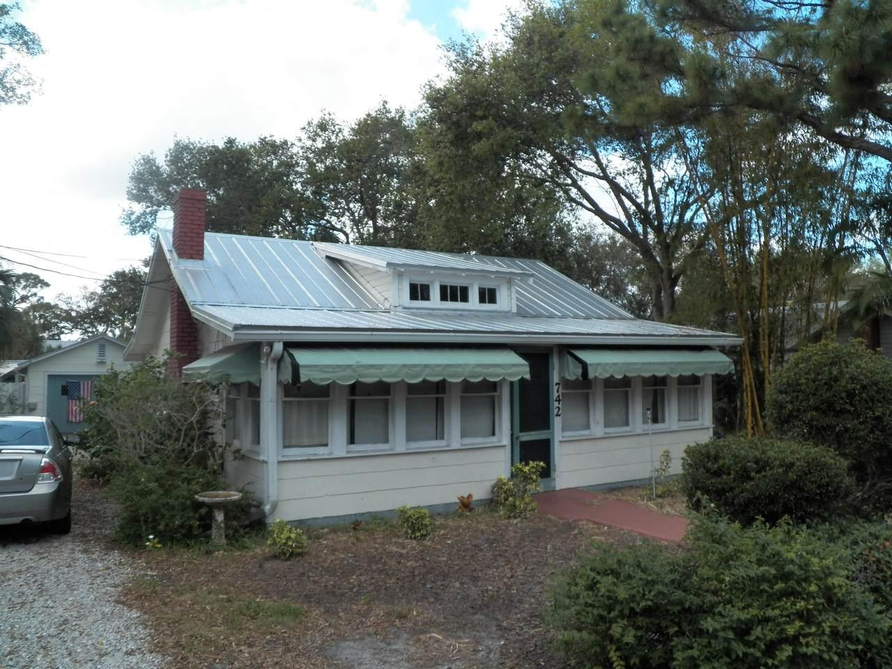742 Saint Lucie Boulevard - Photo 1