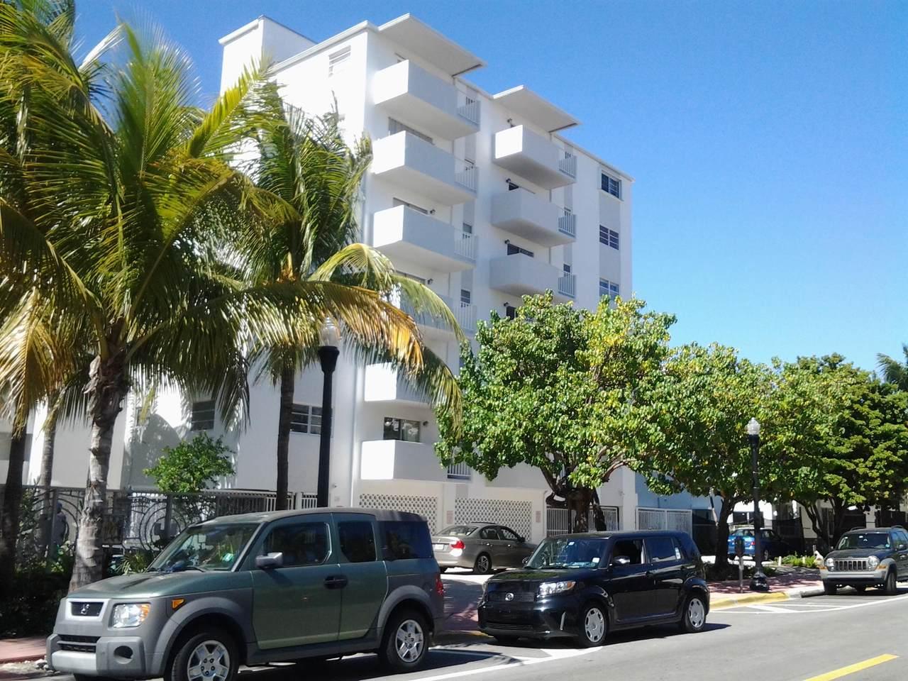 240 Collins Avenue - Photo 1