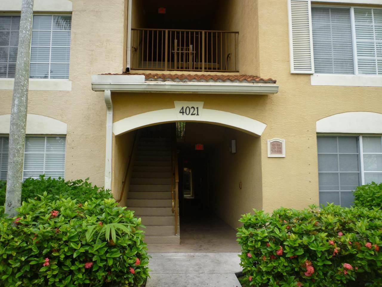 4021 San Marino Boulevard - Photo 1