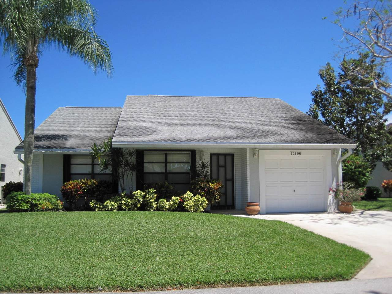 12196 Country Greens Boulevard - Photo 1