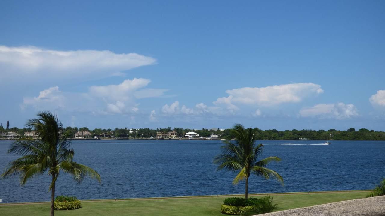 134 Lakeshore Drive - Photo 1