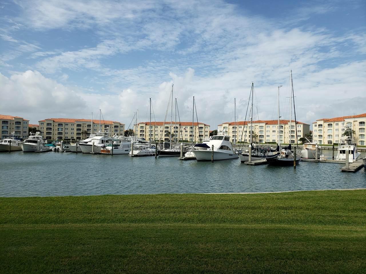 10 Harbour Isle Drive - Photo 1