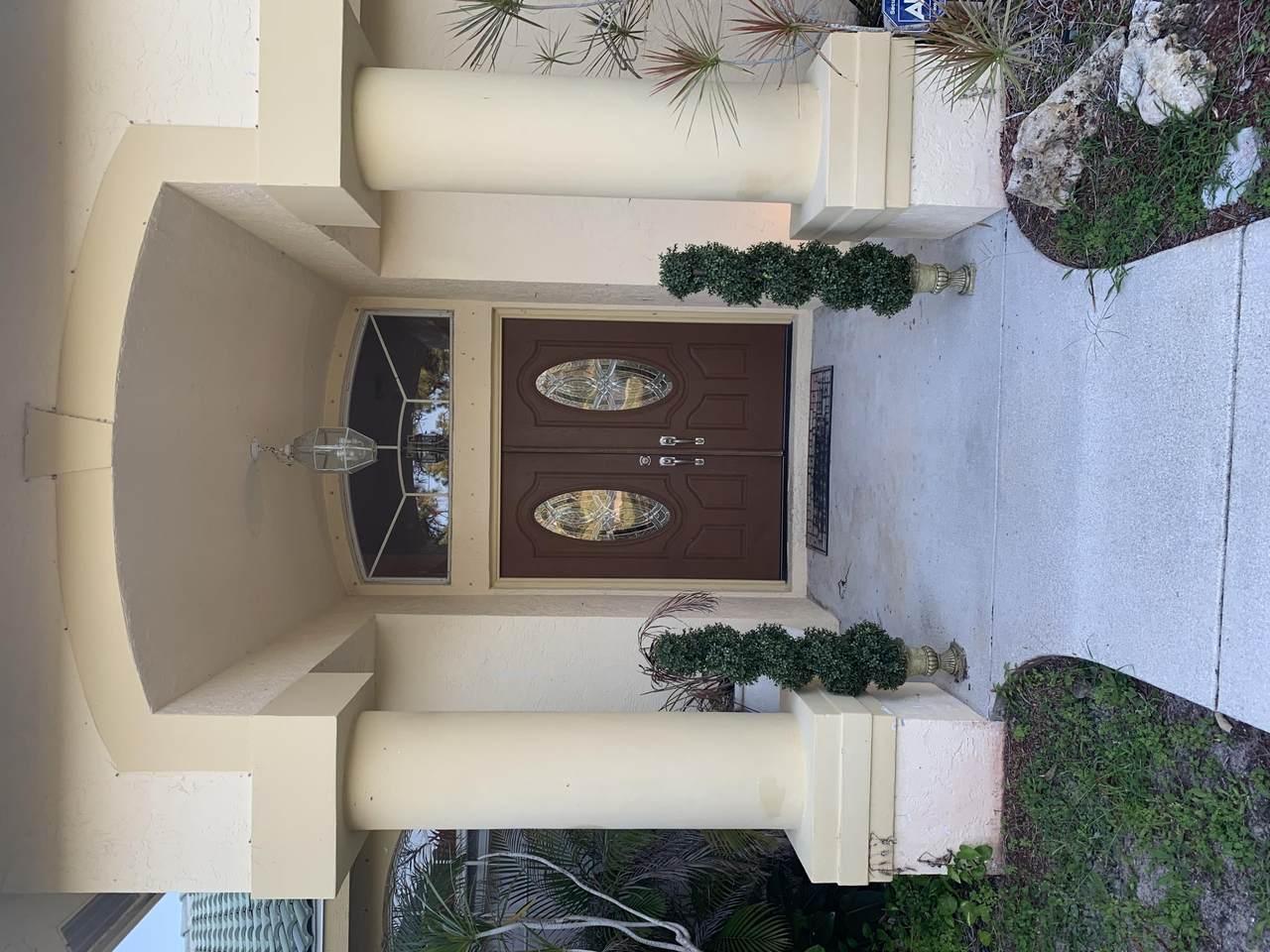 12037 Temple Boulevard - Photo 1