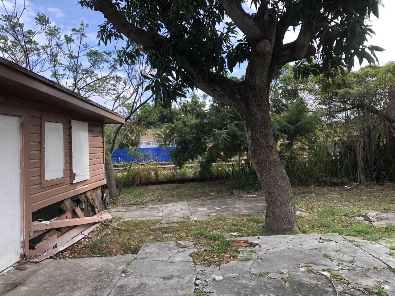 3402 Greenwood Avenue - Photo 1