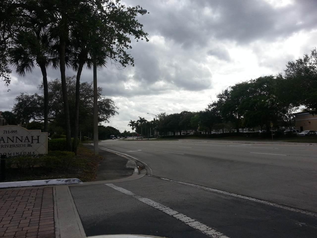 927 Riverside Drive - Photo 1