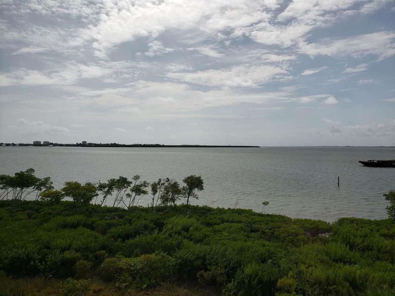 27 Harbour Isle Drive - Photo 1