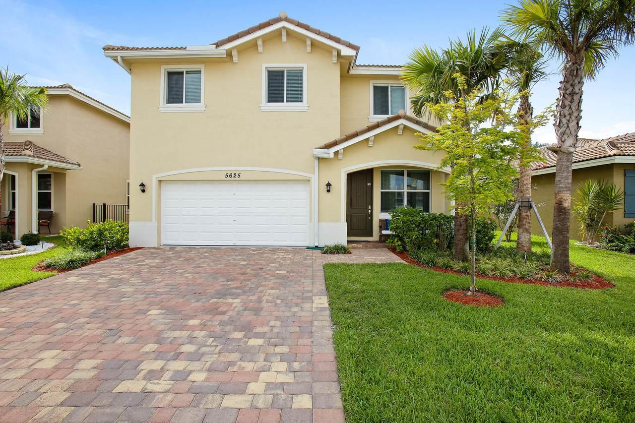 5625 Caranday Palm Drive - Photo 1