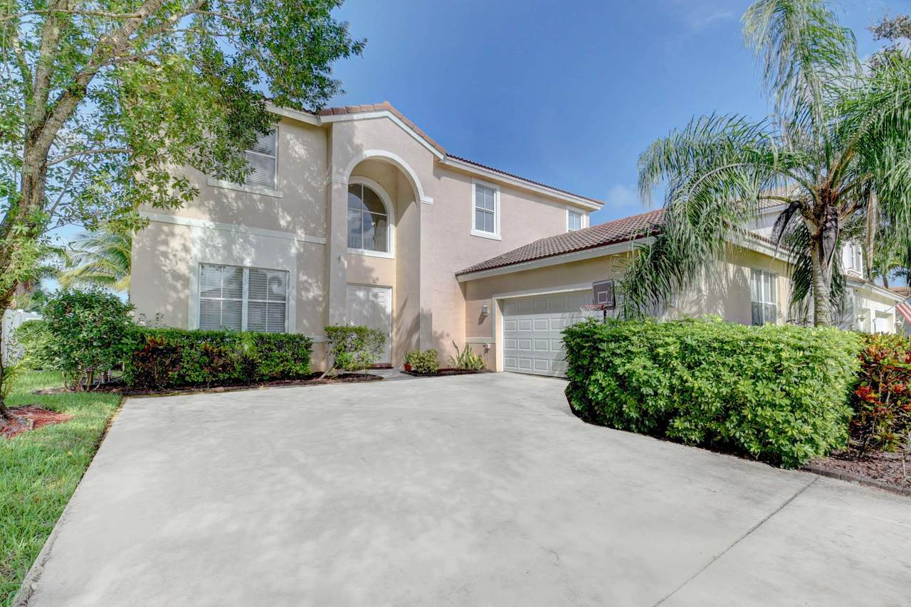6194 Indian Forest Circle - Photo 1