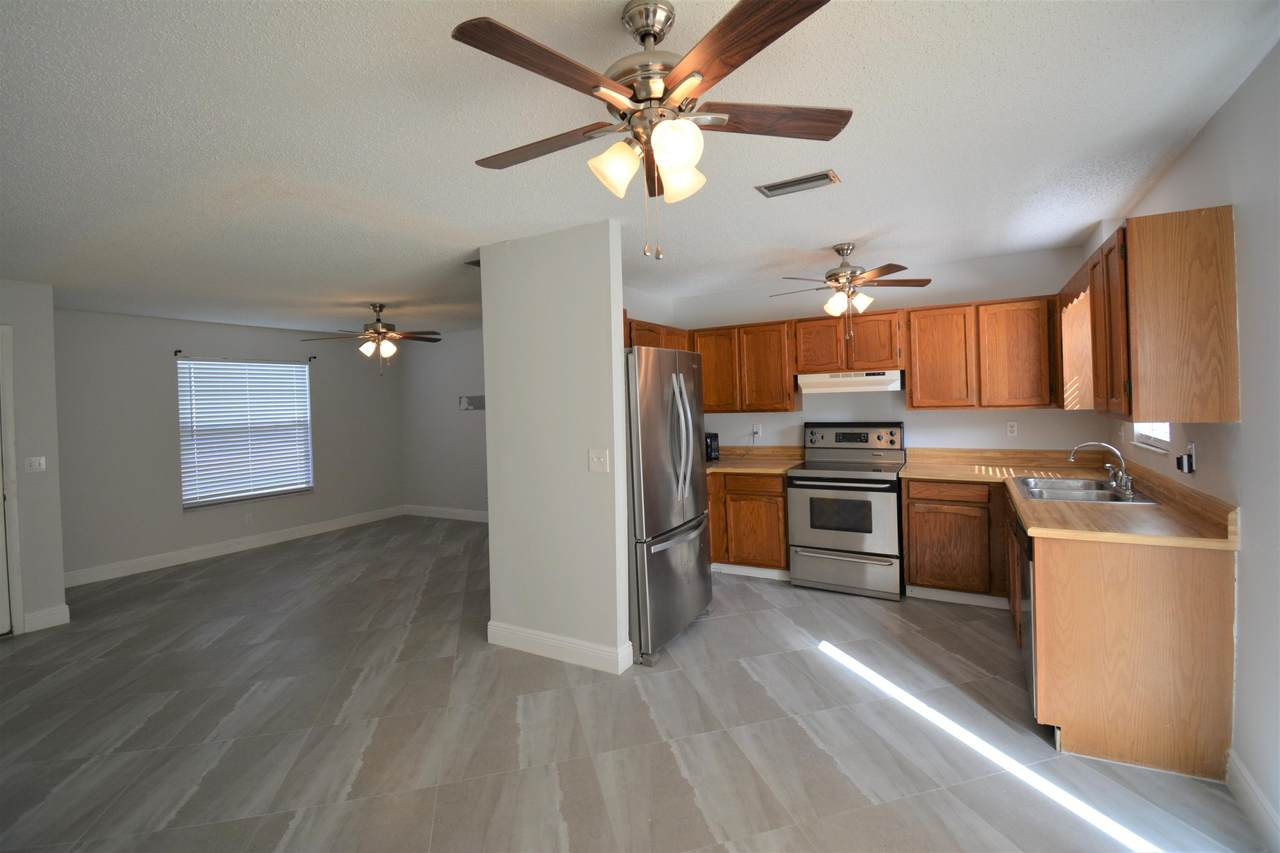 662 Kilpatrick Avenue - Photo 1