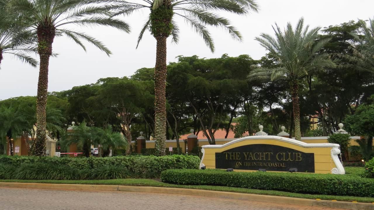131 Yacht Club Way - Photo 1