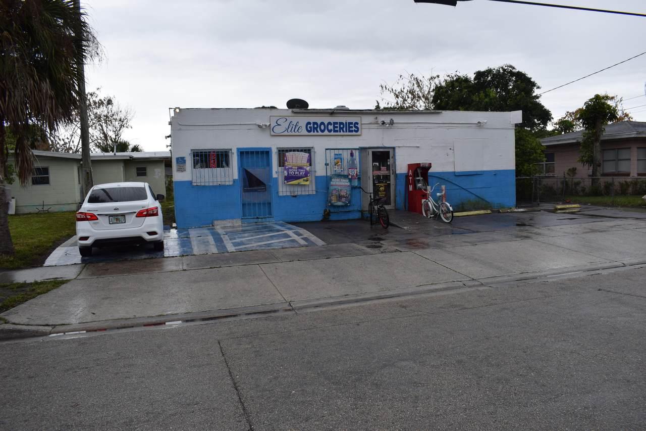 2203 Avenue E - Photo 1