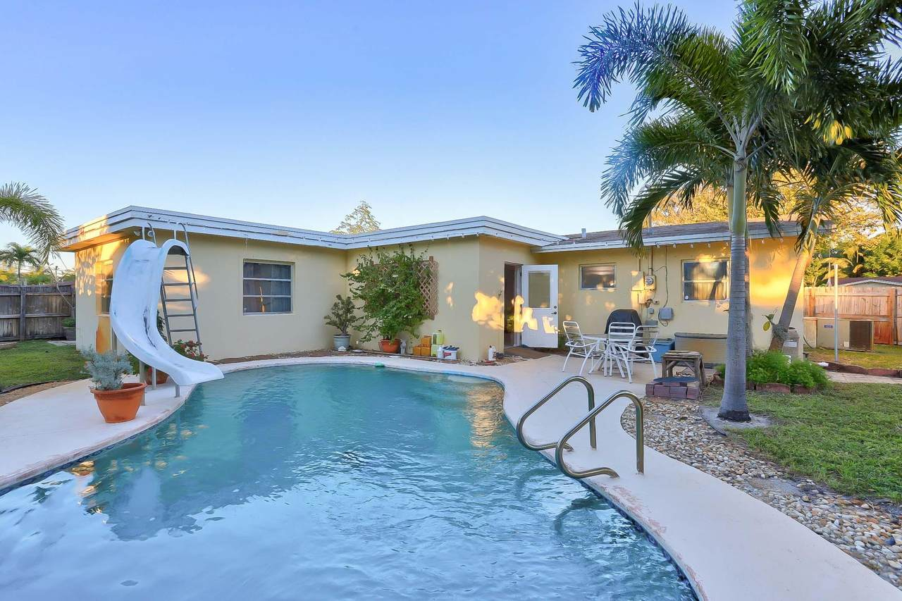 4051 2nd Terrace - Photo 1