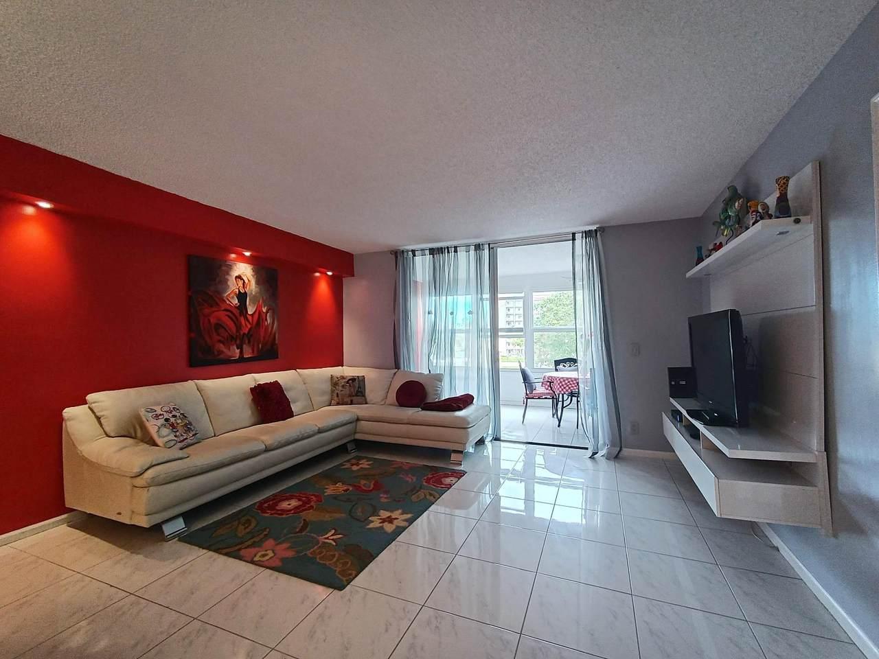14527 Bonaire Boulevard - Photo 1