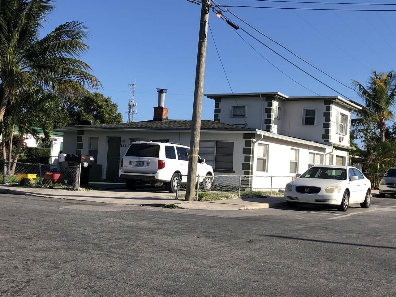 825 Truman Avenue - Photo 1