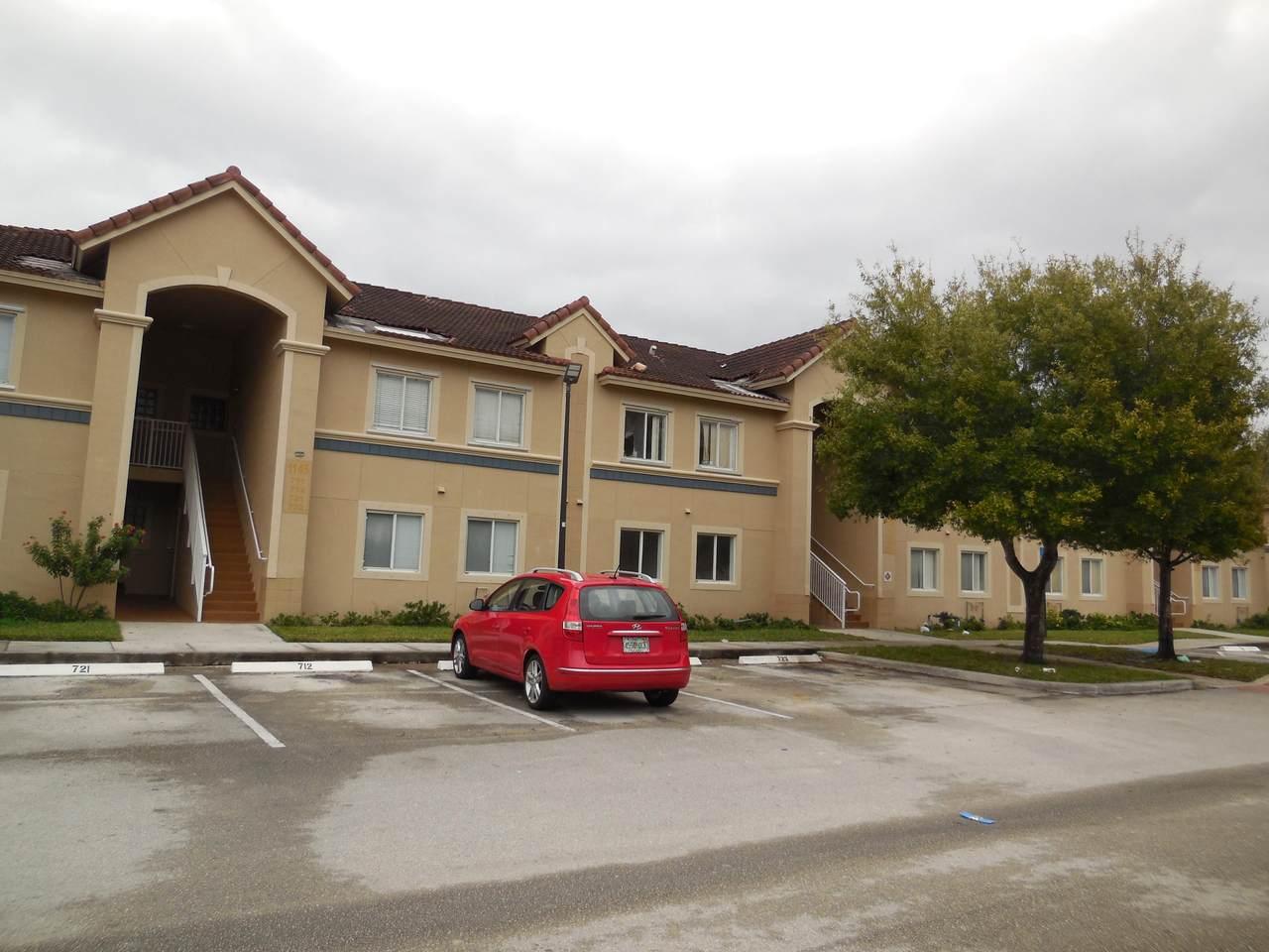 1145 Golden Lakes Boulevard - Photo 1