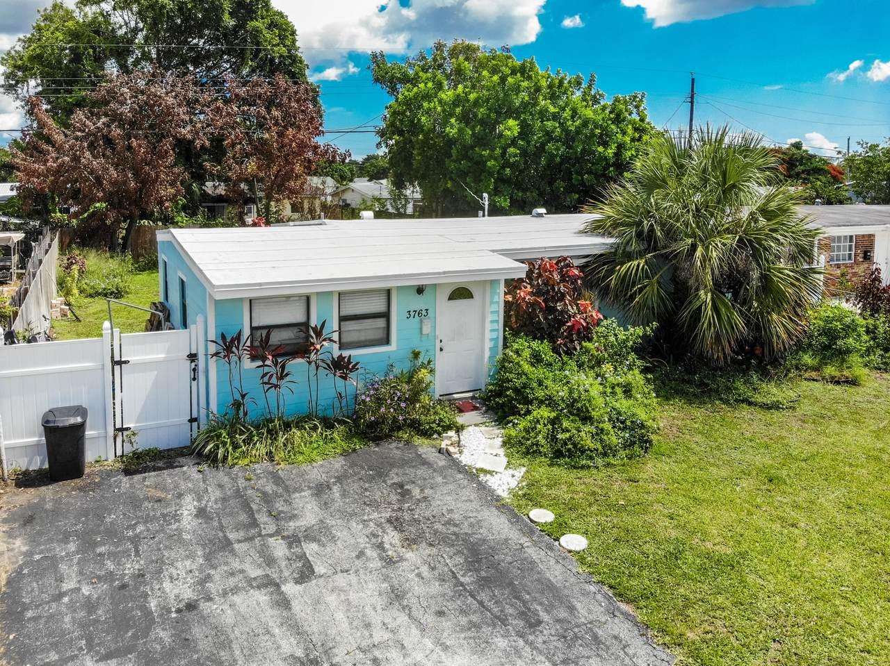 3763 Florida Boulevard - Photo 1