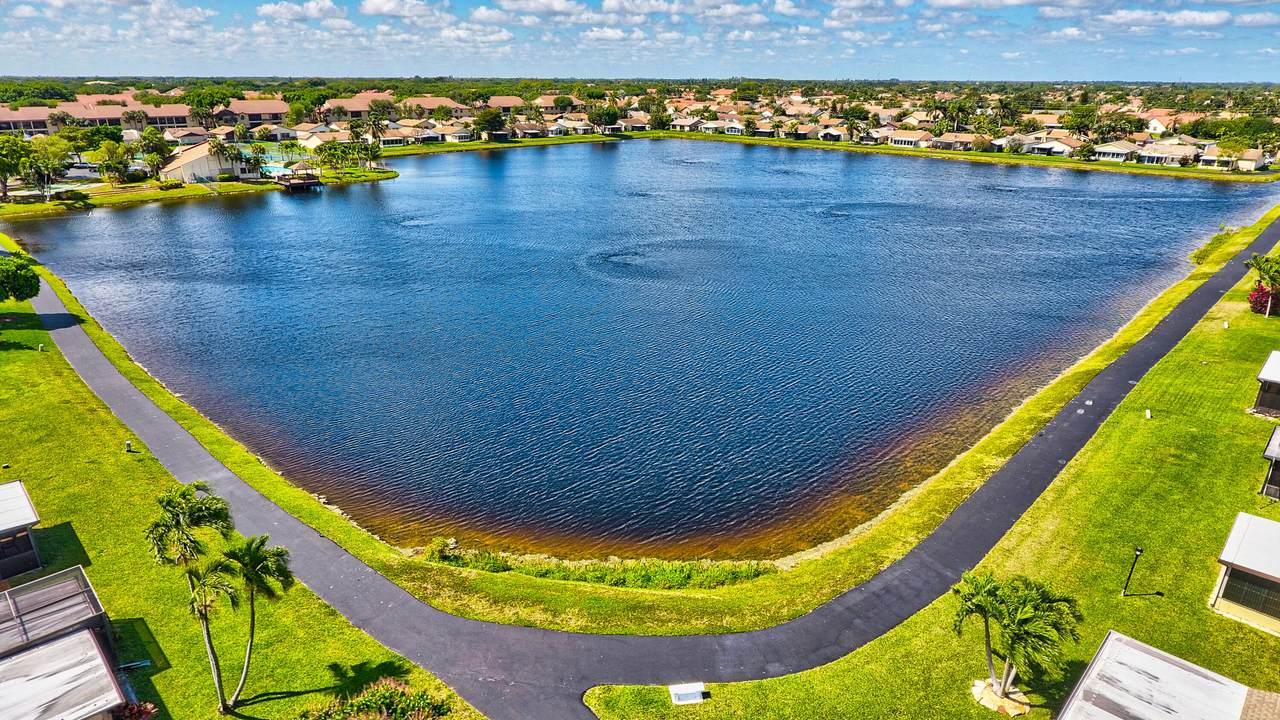 5687 Mirror Lakes Boulevard - Photo 1
