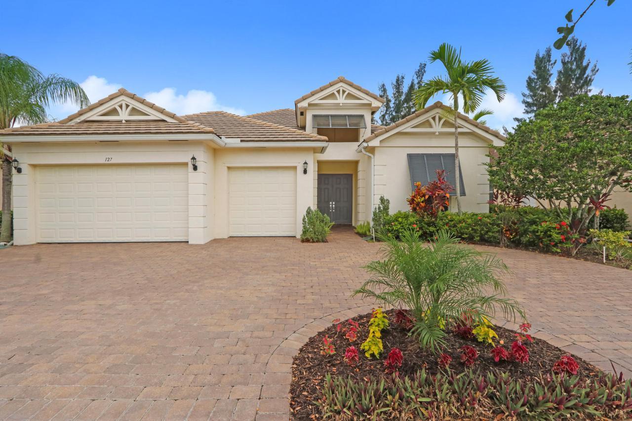 127 Palm Beach Plantation Boulevard - Photo 1