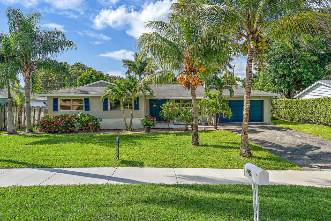 442 Tequesta Drive - Photo 1