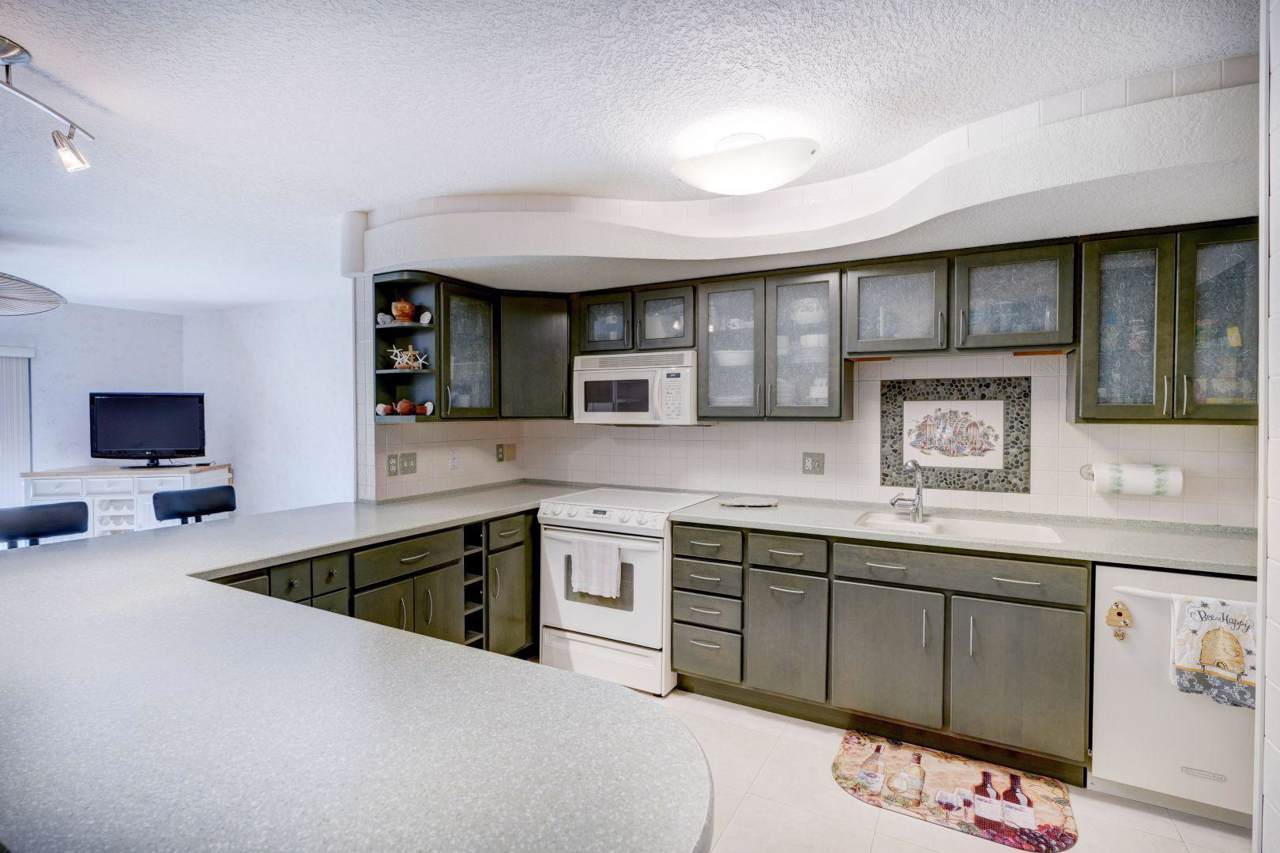 382 Golfview Road - Photo 1