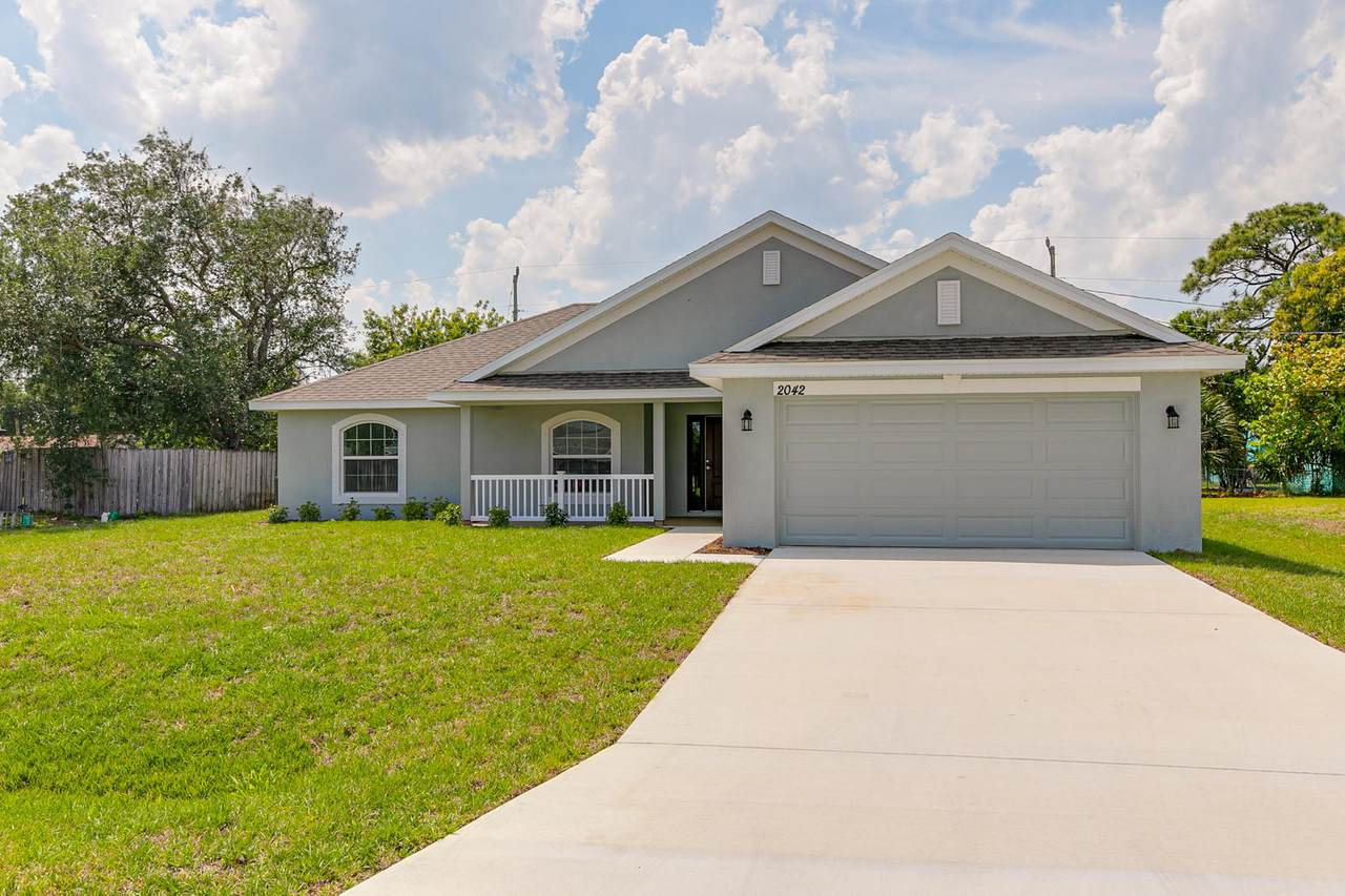 2042 South Buttonwood Drive - Photo 1