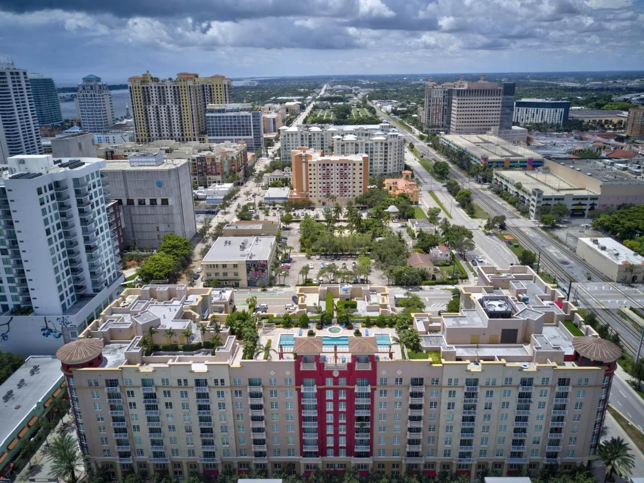 410 Evernia Street - Photo 1