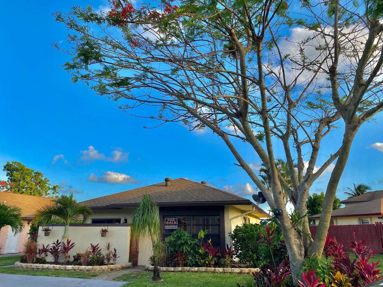 5410 Garden Hills Circle Circle - Photo 1