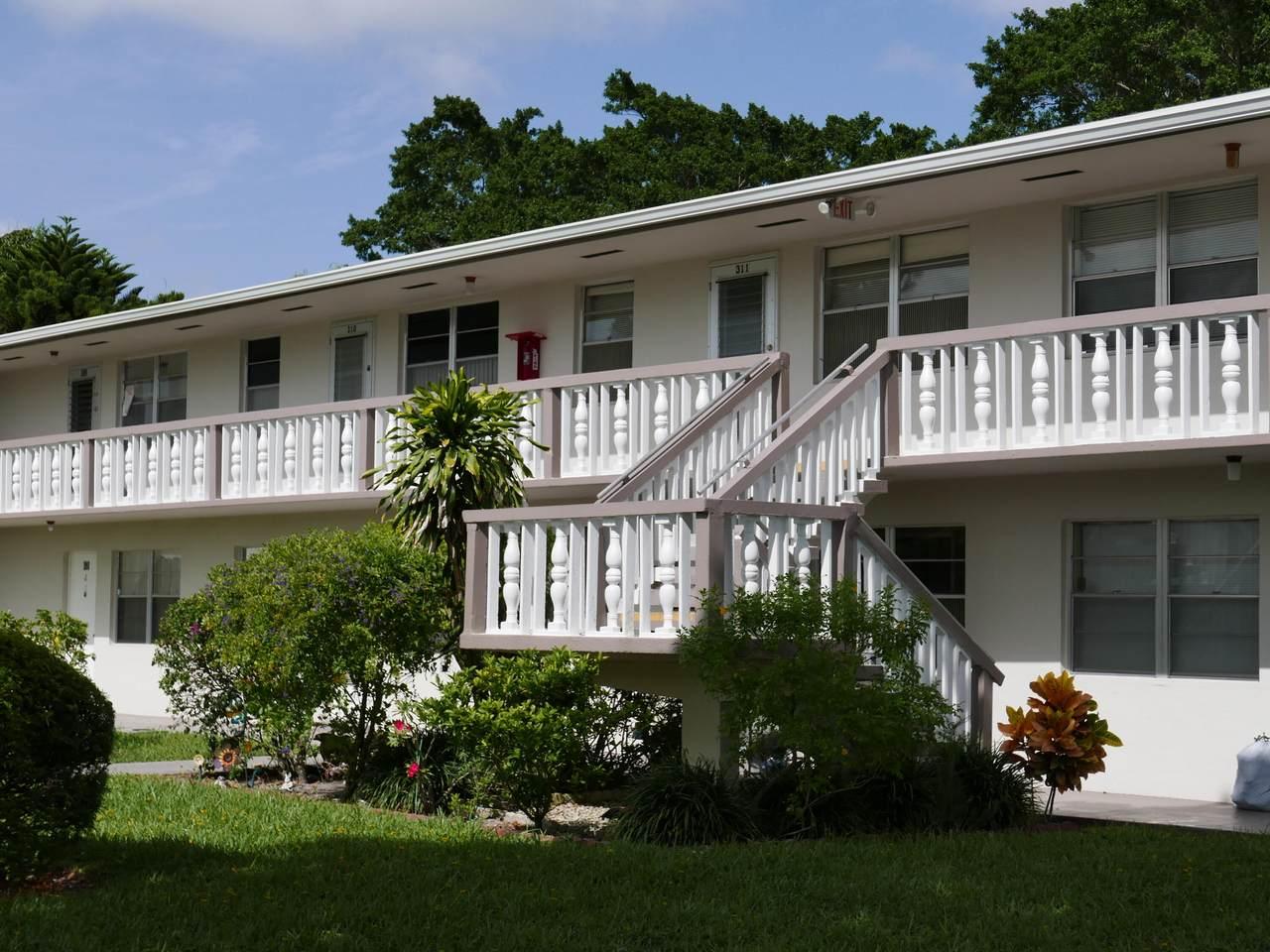 311 Chatham O - Photo 1