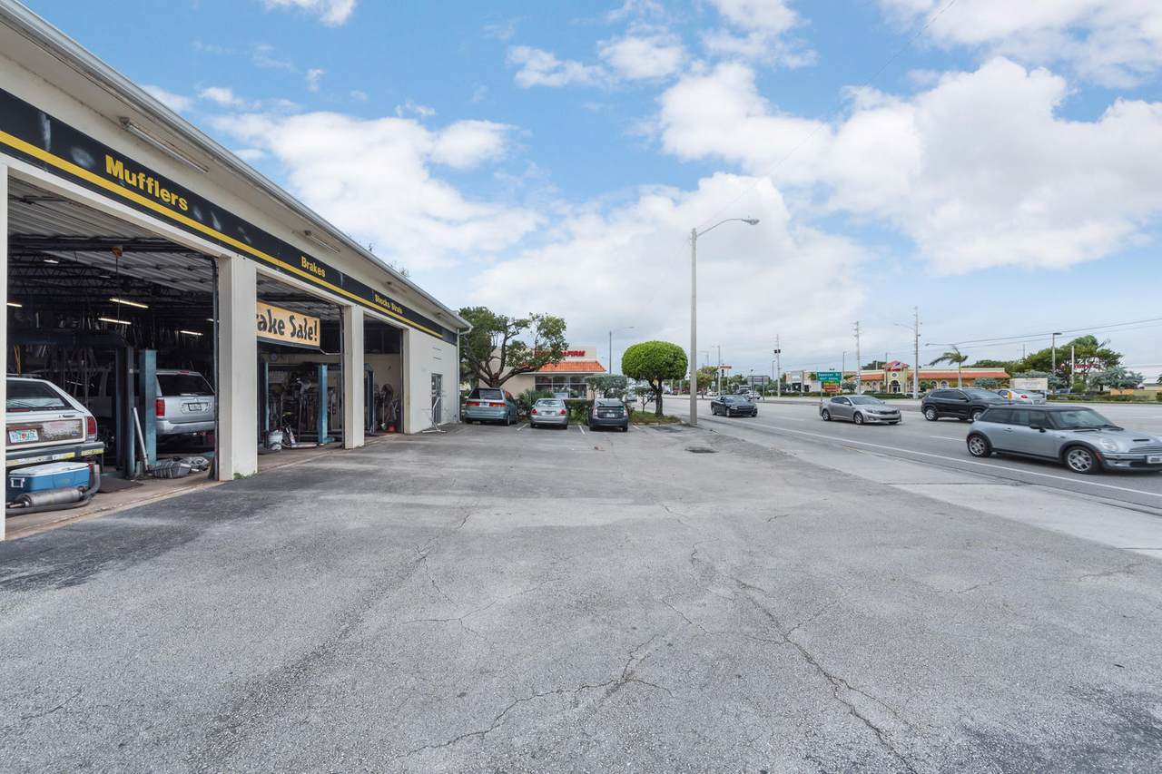 2536 Okeechobee Boulevard - Photo 1