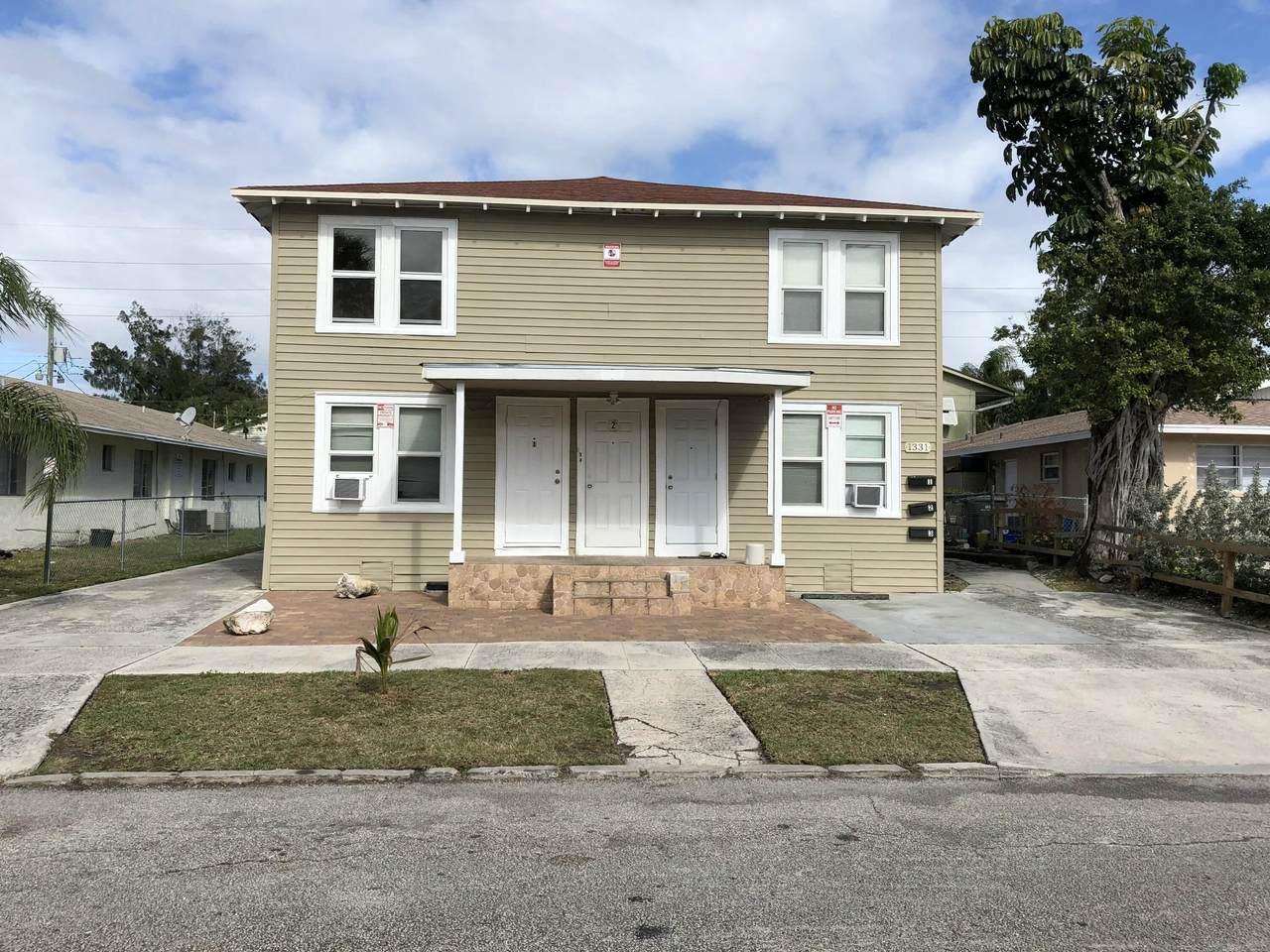 1331 Longwood Street - Photo 1