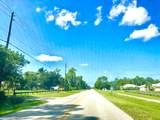 17112 Hamlin Boulevard - Photo 14