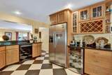 811 Forest Hill Boulevard - Photo 9