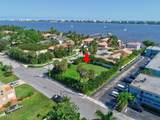 7 Lakeside Palms Court - Photo 2