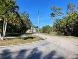 711 Forest Club Drive - Photo 15