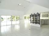2060 Amesbury Circle - Photo 2