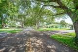624 Garden Court - Photo 37