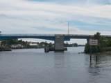 630 Snug Harbor Drive - Photo 21