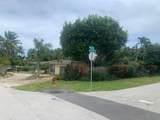 1742 7th Terrace - Photo 3