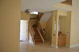 10470 Lake Vista Circle - Photo 8