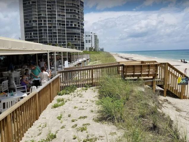 9800 S S Ocean Dr Drive #213, Jensen Beach, FL 34957 (#RX-10344802) :: The Carl Rizzuto Sales Team