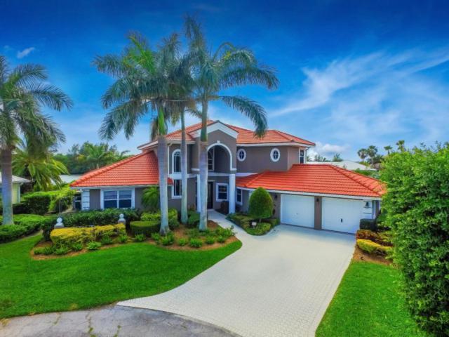 87 Aqua Ra Drive, Jensen Beach, FL 34957 (#RX-10358704) :: The Carl Rizzuto Sales Team
