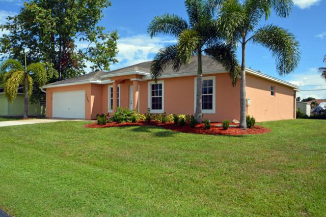 1002 SW Janette Avenue, Port Saint Lucie, FL 34953 (#RX-10360151) :: The Carl Rizzuto Sales Team