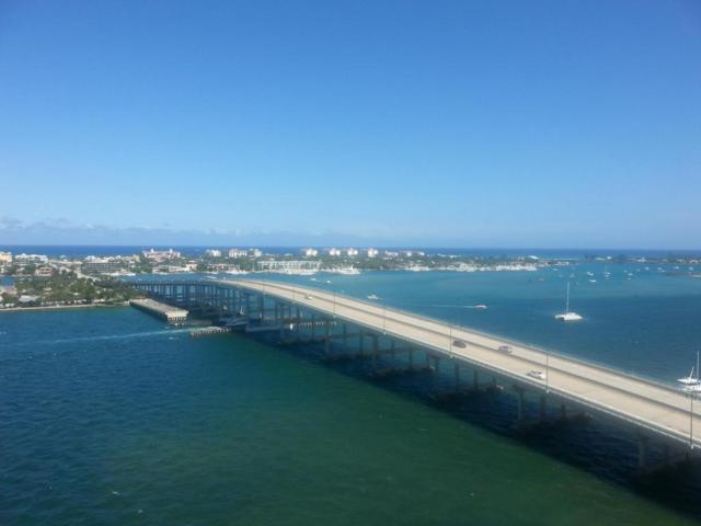 2640 Lake Shore Drive #1512, Riviera Beach, FL 33404 (#RX-10372985) :: Keller Williams
