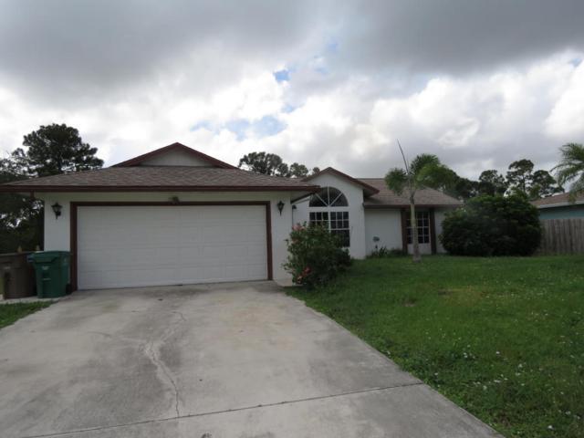 652 SE Essex Drive, Port Saint Lucie, FL 34984 (#RX-10375576) :: The Carl Rizzuto Sales Team