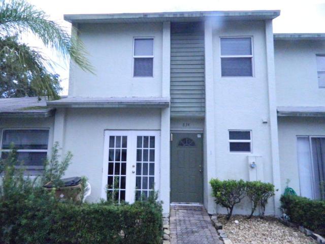 834 Crystal Lake Drive, Deerfield Beach, FL 33064 (MLS #RX-10383392) :: Castelli Real Estate Services