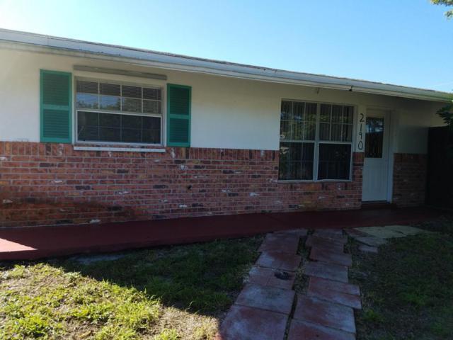2190 NE Rustic Way, Jensen Beach, FL 34957 (#RX-10395572) :: The Carl Rizzuto Sales Team