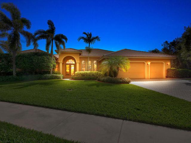 8814 SE Bayberry Terrace, Hobe Sound, FL 33455 (#RX-10396505) :: The Carl Rizzuto Sales Team