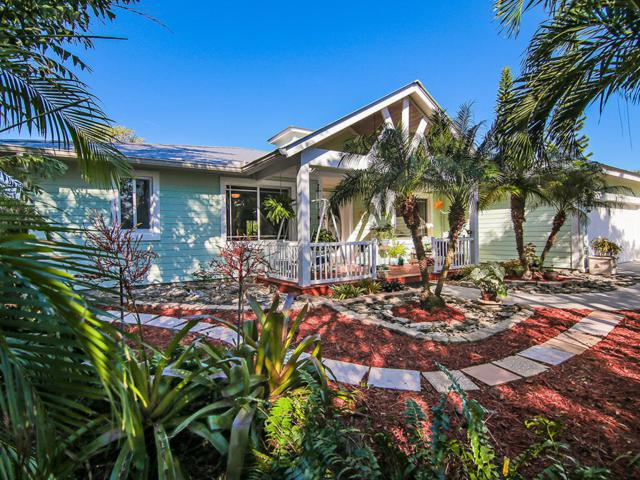 2305 NE Center Circle, Jensen Beach, FL 34957 (#RX-10407520) :: The Haigh Group | Keller Williams Realty